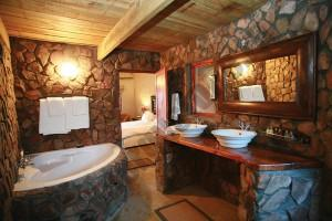 unique-bathroom-ethnic-themes-rock